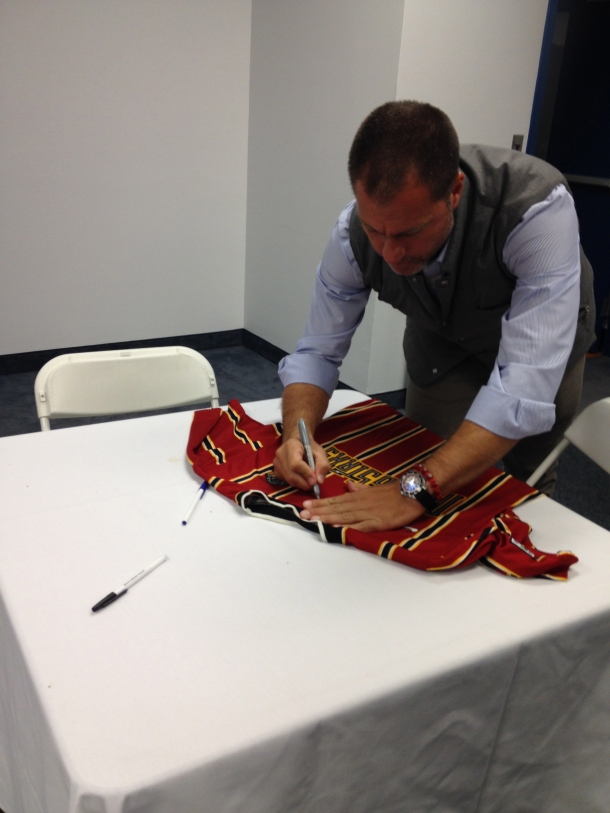 Gio Signing MEtrostars Jersey