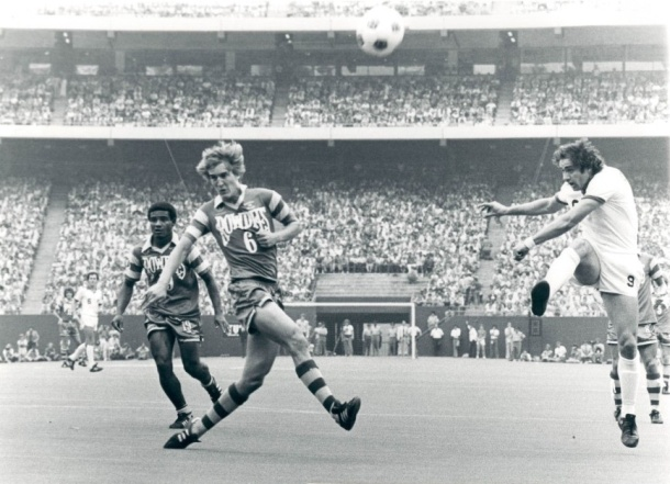 Rowdies Square Off Against The NY Cosmos in the 1978 Soccer Bowl