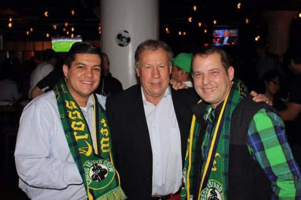 Members of the Cross Island Crew With Former Cosmos Player Roby Young  Photo Credit - Eytan Calderon
