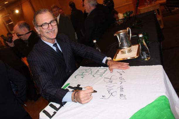 Shep Messing Stopping To Sign The Raul Banner. Photo Credit - Eytan Calderon